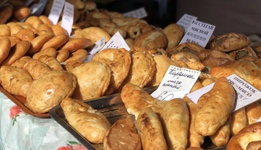 週末限定!中央広場のマーケットでロシアグルメを食べ歩き【ウラジオストク】
