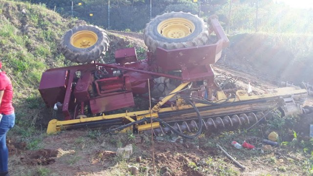 Netcare 911 said the driver of the construction vehicle lost control while ascending an embankment, resulting in a rollover. Image: Netcare911
