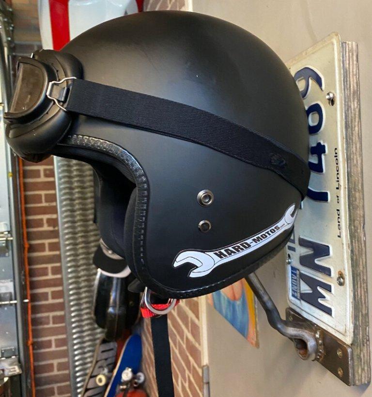 New: Handmade helmet holders – unique pieces to safely store your helmet!