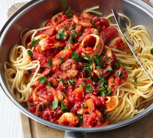 spaghetti-smoky-tomato-seafood-sauce.jpg