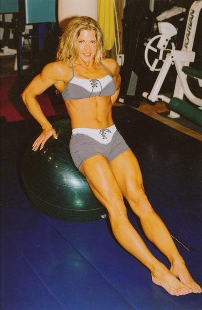 Hard Fitness Online Magazine Issue 3  Women Seeking Leg