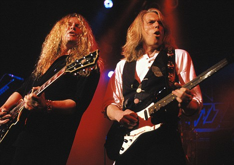 Thin Lizzy, group. John Sykes (L), Scott Gorham (R). free from D