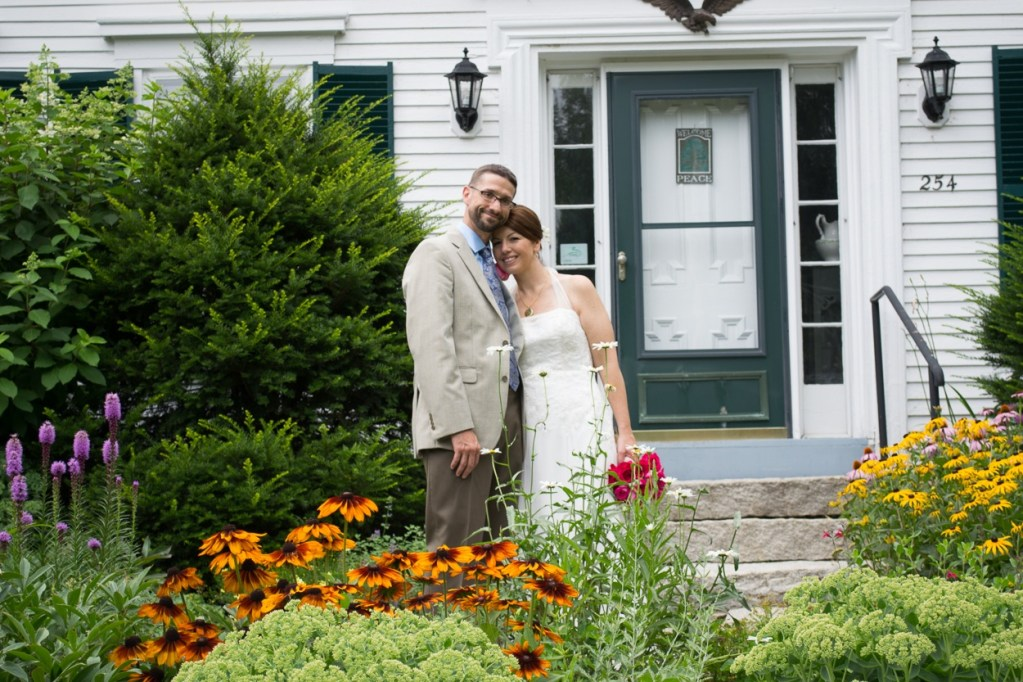 hardy-farm-maine-wedding-brideandgroom2