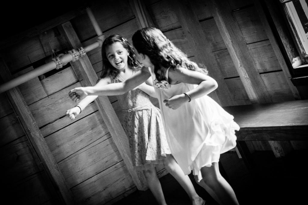 hardy-farm-maine-wedding-dancing