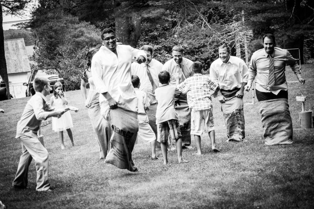 hardy-farm-maine-wedding-lawn_games1