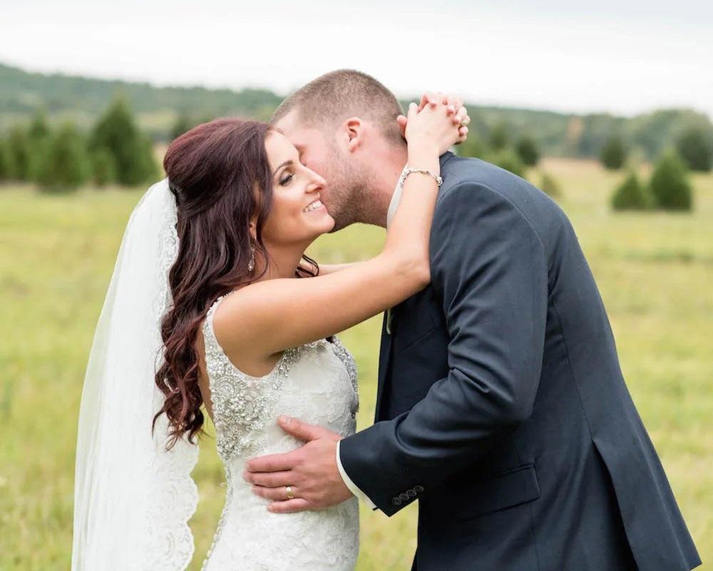 maine-barn-wedding-ac-freebirdphoto2-2