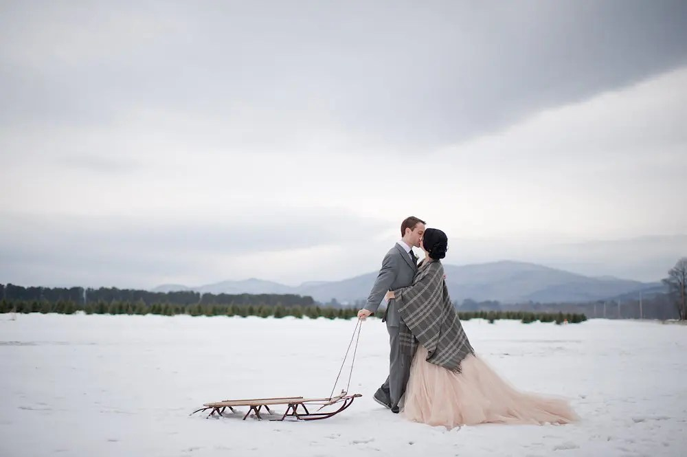 Winter wedding photo idea with sled
