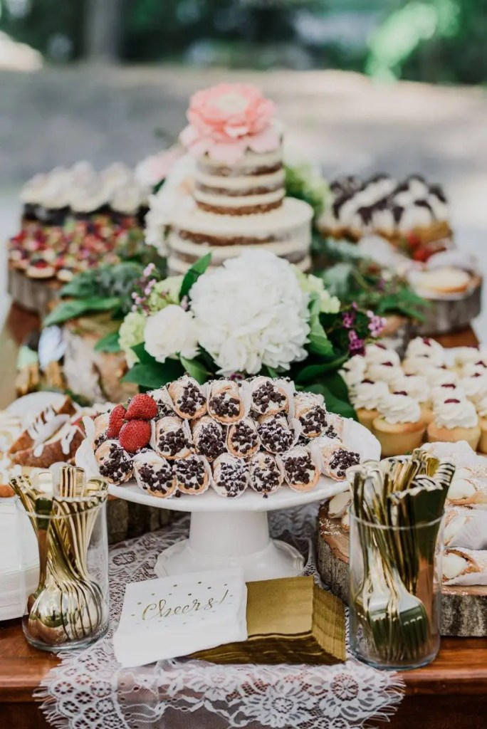 Maine wedding with Italian pastries