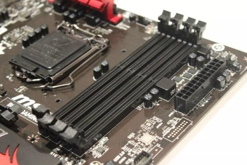 small resolution of los dos disipadores son bastante primarios teniendo en cuenta que el chipset b85 es bastante sencillo como hab amos comentado al principio de esta review y