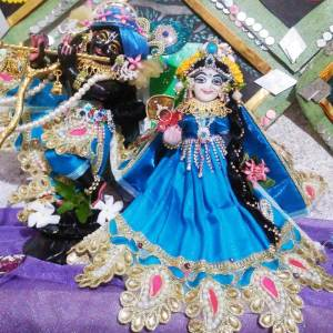 Lord Radha Krishna Marble Deity / Murty / Statue / Vigraha Black and White Colour
