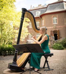 Harfenmelodie, Paula Naumann