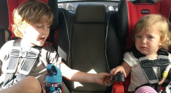 Watch Cute 4-Year-old Reassure His Frightened Sister at the Car Wash