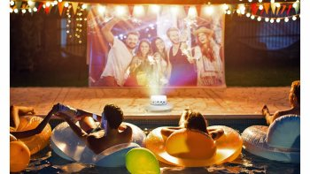 Tips to create the ultimate backyard movie night