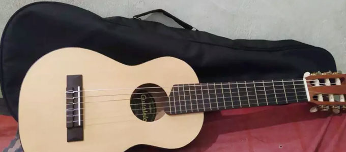 Guitalele Yamaha GL1 Original - www.olx.co.id