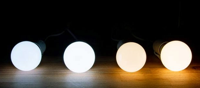 Lampu bohlam LED (sumber: thewirecutter.com)