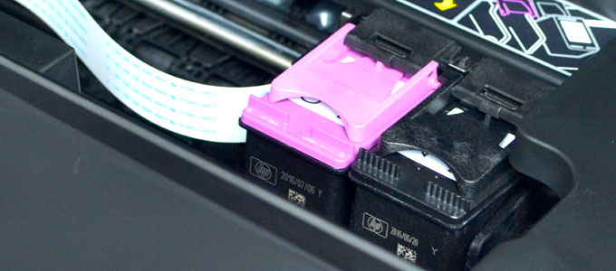 Cartridge printer HP Deskjet 1010 (sumber: wikihow.com)