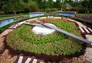 Taman Jam di Taman Bunga Nusantara