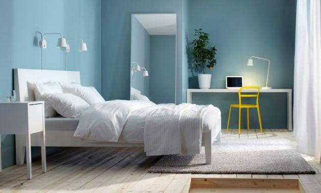 cat kamar warna biru muda