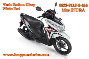 Brosur Daftar Harga Tunai Cash Kredit sepeda motor honda beat cbs full injection supra x revo new CBR street fire spacy repsol tree color verza scoopy blade pcx mega pro termurah Vario di dealer showroom pekanbaru Techno Glazy White Red