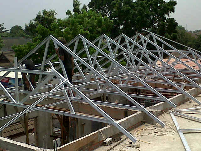 harga atap baja ringan untuk kanopi pemasangan rangka tukang