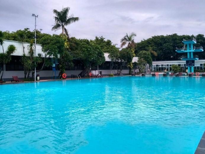 kolam renang graha residen