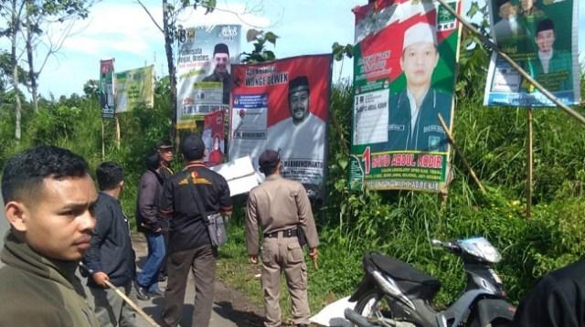 Ratusan APK dan BK Pemilu di Kabupaten Tegal Ditertibkan