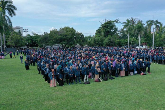 Unram Lepas Ribuan Mahasiswa KKN Tematik