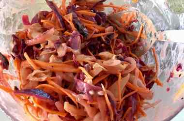 bowl of bbq coleslaw
