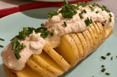 baked potato with cashew sour cream