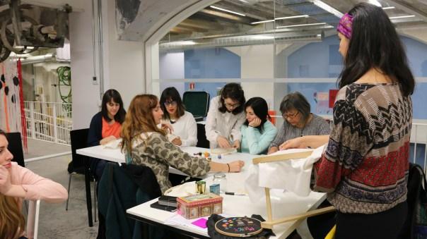 Taller de ilustración textil y bordado contemporaneo en Harinera ZGZ