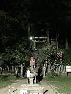 金剛山、夏の夜の転法輪寺の写真
