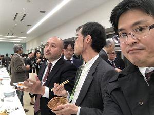日本伝統鍼灸学会2018の懇親会にて、足立繁久と間純一郎先生、鹿島洋志先生