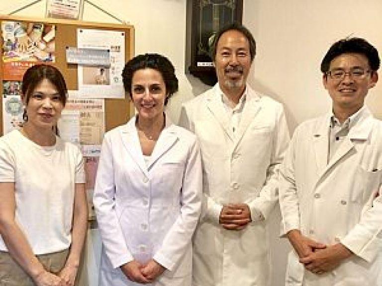 足立鍼灸治療院にて日本鍼灸を学ぶ研修、完了の写真