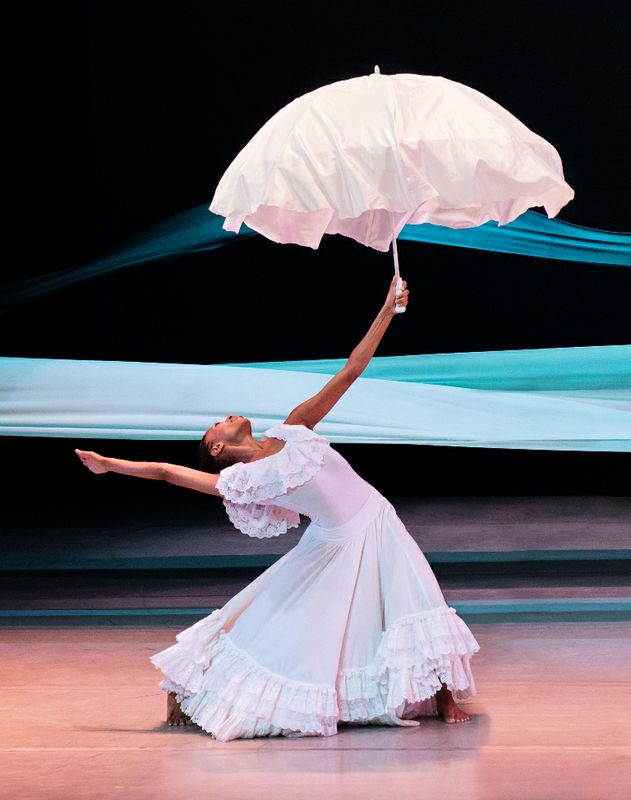 Alvin+Ailey+American+Dance+Theater's+Jacqueline+Green+in+Alvin+Ailey's+Revelations.+Photo+by+Paul+Kolnik._4159d895-290b-41f2-8183-346d050b630b-prv