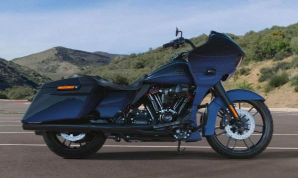 Motocykel Harley-Davidson CVO Road Glide farba Mako-Shark-Fade