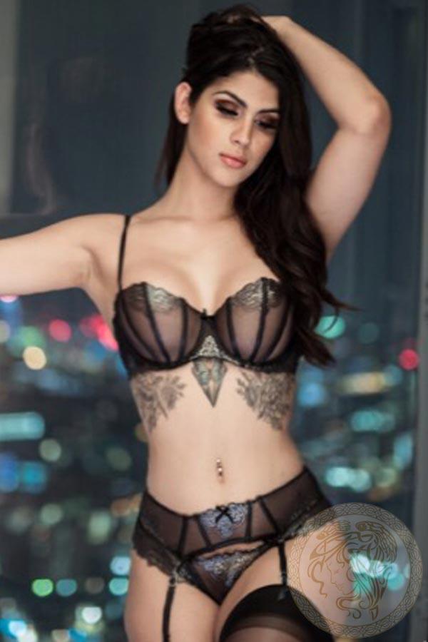 brunette-london-escort-livia-10