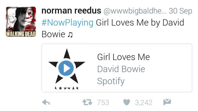 girl-loves-me