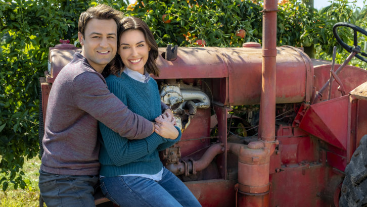 "Preview: ""Falling For You"" A New Hallmark Channel 'Fall Harvest' Movie"