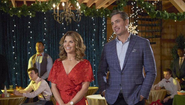 "Preview: ""Homegrown Christmas"" A Hallmark Channel 'Countdown To Christmas' Original Movie (2018)"