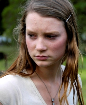 cdn.extracine.com.files.2011.01.Mia-Wasikowska