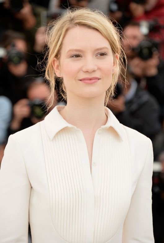 mia-wasikowska-at-maps-to-the-stars-photocall-at-canne-film-festival_1