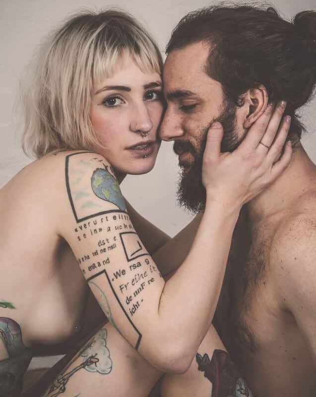 Couple nu