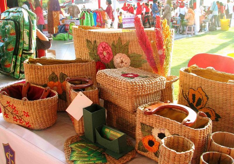 Water Hyacinth Crafts