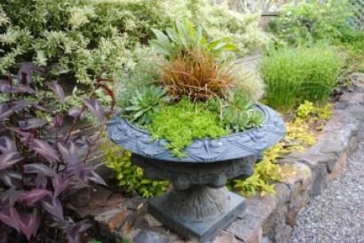 Freeland Tanner-Garden Designer-Napa-Garden Decor-Bespoke Garden Decor-containers