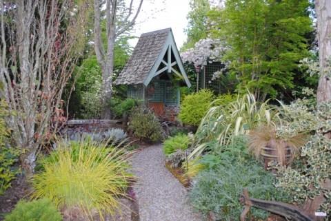 Freeland Tanner-Garden Designer-Napa-Garden Decor-Bespoke Garden Decor-garden seating nook