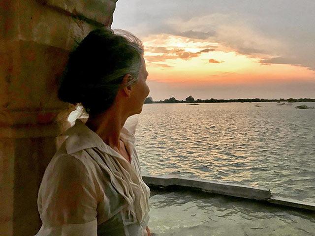 Debs India Blog – 2019 Nov 16 – Visitors_crop