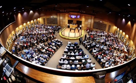 Dave Landry | Tuesday produced one of the biggest opening night crowds in Lexington Selected Yearling Sale history.