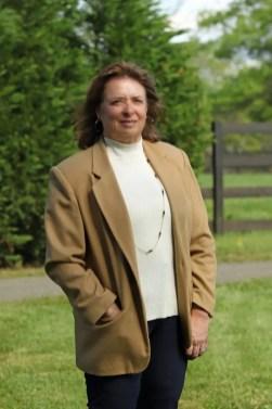 Vicki Wright   Trainer Linda Toscano.