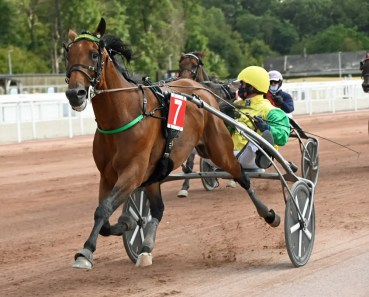 Gerard Forni | Face Time Bourbon (Björn Goop) easily won Bold Eagle's retirement race, the $140,000 Grand Prix de Wallonie, in a mile rate of 1:54.1.