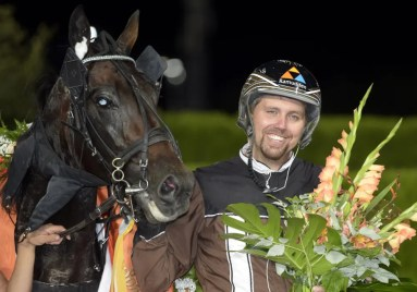 ALN   Trainer Daniel Redén (shown with Missle Hill after winning the Jubileumspokalen) was delighted to win three stakes on Solvalla's Wednesday night card.